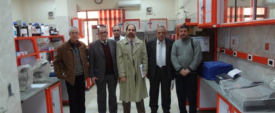 Visit by a delegation from Agricultural Research Center and Cairo University, to the seeds diseases Laboratory